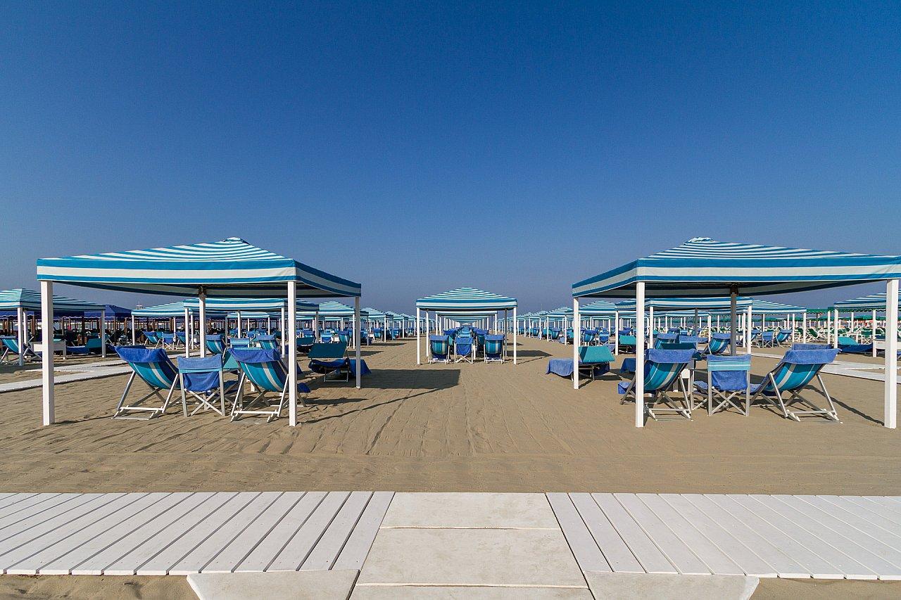 Foto gallery bagno florida stabilimento balneare marina - Bagno roma marina di pietrasanta ...